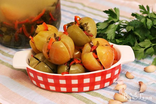 Quick Fermented Green Tomatoes