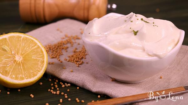 Easy Mayonnaise in 5 minutes (simple and vegan)