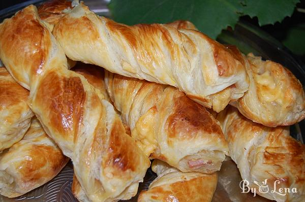 Cheese and Ham Puff Pastry Twists
