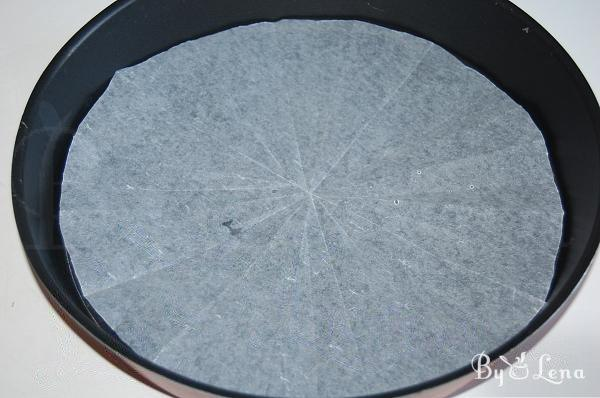 How to cut baking paper for the round tray