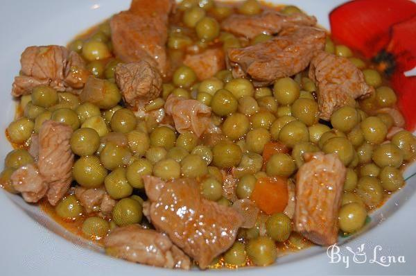 Green Pea Stew with Meat